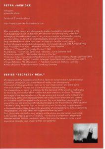 """Biografie und Erläuterungen der Künstlerin (in Englisch) sowie das Foto """"Lost her name on my birthday"""", Seite 5 des Artikels über Petra Jaenicke im Artmagazine August 2019 der No Name Collective Gallery London. Werke exklusiv bei Galerie Ahlemann beziehbar."""