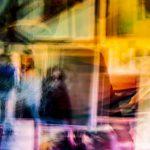 Galerie Ahlemann zeigt ein abstraktes Foto von Ralf Lindenau in verschiedenen Farbtönen.