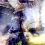 Galerie Ahlemann zeigt ein abstraktes Foto von Ralf Lindenau in der Kategorie Wahnbild in überwiegend hellen Farbtönen