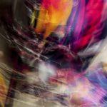 Galerie Ahlemann zeigt ein abstraktes Foto von Ralf Lindenau in der Kategorie Wahnbild in verschiedenen Farben.