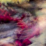 Galerie Ahlemann zeigt ein abstraktes Foto von Ralf Lindenau in der Kategorie Wahnbild in verschiedenen Farbtönen mit relativ hohem Grauanteil