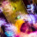 Galerie Ahlemann zeigt ein abstraktes Foto von Ralf Lindenau in der Kategorie Wahnfarben in verschiedenen Farbtönen.