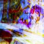 Galerie Ahlemann zeigt ein abstraktes Foto von Ralf Lindenau in der Kategorie Wahnfarben in verschiedensten Farbtönen.