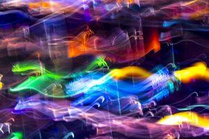 Galerie Ahlemann zeigt ein abstraktes Foto von Ralf Lindenau in der Kategorie Wahnfarben in bunten Farben