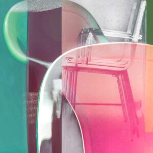 """Galerie Ahlemann zeigt ein abstraktes Foto von Petra Jaenicke aus der Konzeptreihe """"Ein Stuhl ist ein Stuhl"""" in überwiegend grauen, türkisen und rosa Farbtönen."""