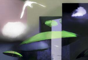 Galerie Ahlemann zeigt ein abstraktes Foto von Petra Jaenicke auf dem in abstrahierter Darstellung vor einem überwiegend violetten, in verschiedenen Flächen aufgeteilten Hintergrund grüne Schirme und ein weißer Vogel zu sehen sind.