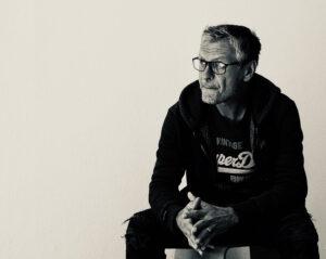 Fotokünstler Thomas Bienert vertreten durch Galerie Ahlemann, Spezialist für abstrakte Fotokunst.
